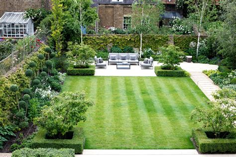 garden design ideas  square garden  garden