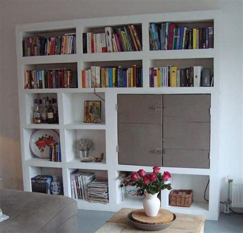 kast maken betonblokken gipsblokken boeken kast bouwen werkspot