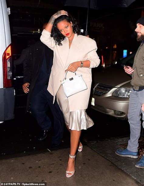 rihanna goes nude for night out in new york celebrities