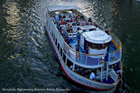 Family Boat Cruise Chicago by Chicago Boat Tours Find Guided Tours Cruises Of