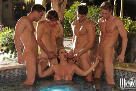 Milf In A Party With Four Guys