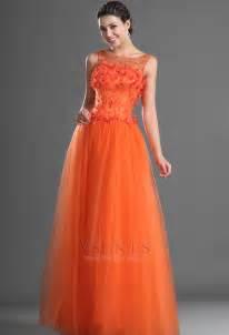 arras para boda vestido de noche invierno naranja rojo capa de tul