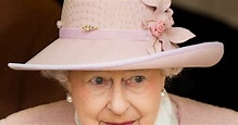 Royal Family Around the World: The Queen & Duke Of ...