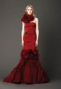 crimson bridesmaid dresses looking sophisticated with vera wang wedding dresses sangmaestro