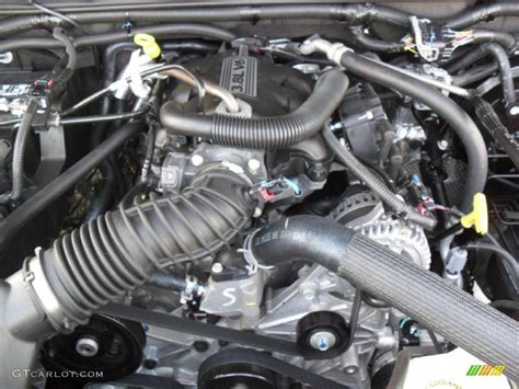 2011 Jeep Wrangler Unlimited Sport 4x4 38 Liter Ohv 12