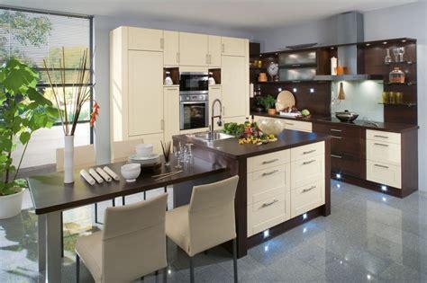 cuisine et cuisine noir et marron