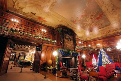the biltmore estate christmas christmas at biltmore in asheville sneak peek photo tour