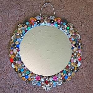 Runde Spiegel Mit Rahmen : 1001 kreative und n tzliche upcycling ideen zur inspiration spiegel mit rahmen runde spiegel ~ Bigdaddyawards.com Haus und Dekorationen