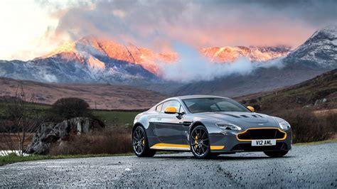 Aston Martin Vantage Backgrounds by 2017 Aston Martin Vantage Gt8 Wallpaper Hd Car