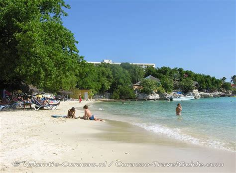 curacao pirate bay beach