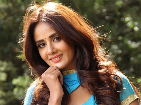 Parul Yadav Hq Wallpapers  Parul Yadav Wallpapers 25618