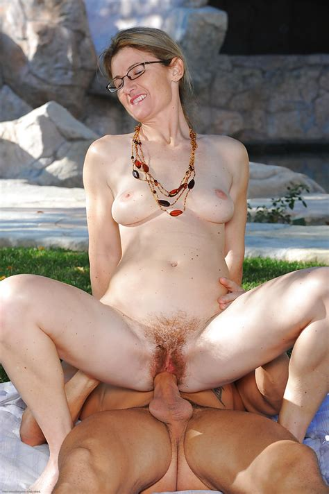 Mature Amateur Milf Austin Scott Taking Cumshot On Hairy