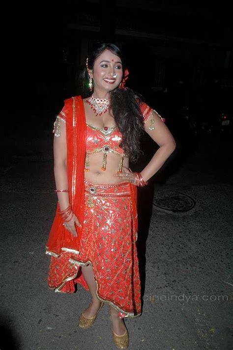 Sexy Actress Gallery Bhojpuri Hot Item Girl Boops Navel