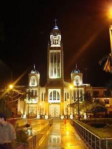 Catedral de Nuestra Señora de la Merced (Machala) Wikipedia, la enciclopedia libre