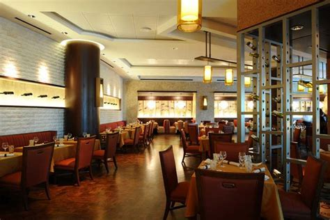 Napa, in the Peabody Orlando, is a 5,000 square foot