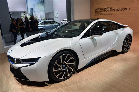 2015 Bmw I8 Offers You A Fast Ride To The Future For