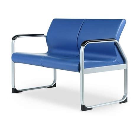 divanetti per ufficio divano con base in metallo ideale per sale attesa idfdesign