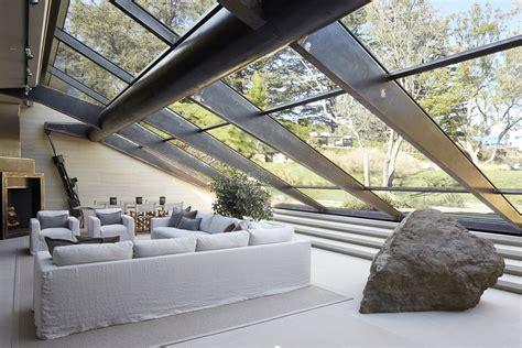 los angeles hillside villa retreat  daring modern