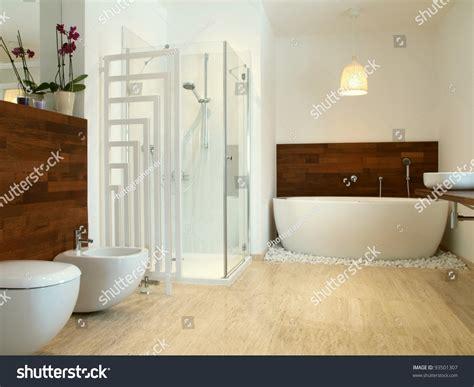 bathroom with fiberglass wall design attaching ceramic