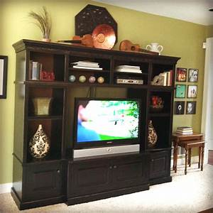 Hope studios entertainment unit decorating ideas for Decorating entertainment center ideas