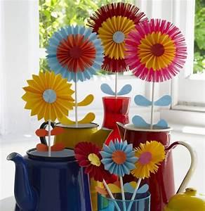Blumen Aus Seidenpapier : papierblumen basteln mit kindern sch ne ideen und bastelanleitungen ~ Orissabook.com Haus und Dekorationen