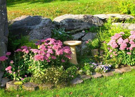 garten im herbst 6 leuchtende herbst pflanzen f 252 r garten und blumenk 228 sten