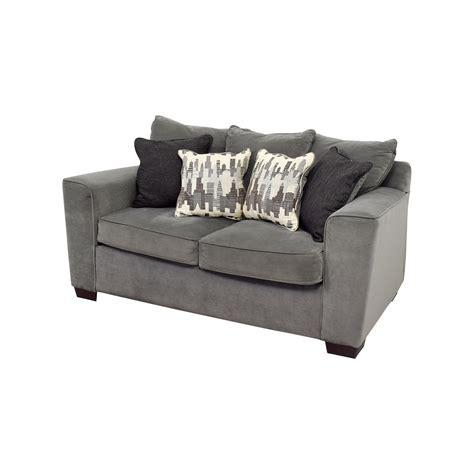 Bobs Loveseat by 44 Bob S Furniture Bob S Furniture Grey Loveseat
