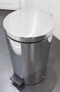 Petite Poubelle Cuisine : petite poubelle ouverture au pied en metal chrome de marque rossignol h 52 cm 2 unites vendu a luni ~ Nature-et-papiers.com Idées de Décoration