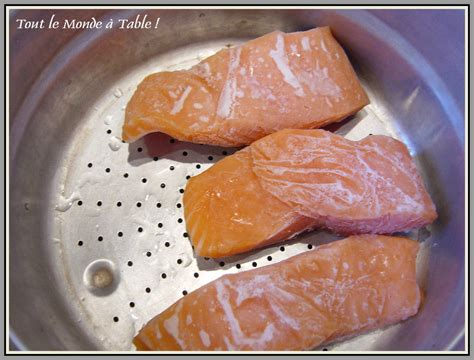cuisiner saumon surgelé pavé de saumon et sa sauce verte au basilic tout le