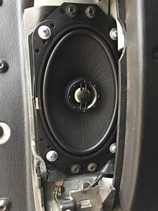 Jeep Wrangler Dash Speaker Size