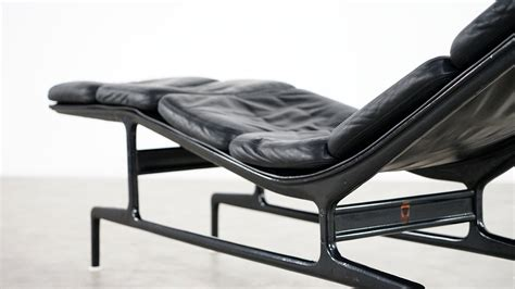 chaise herman miller charles eames softpad chaise es106 herman miller