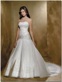 white wedding dress the wedding inspirations white bridal gowns