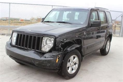 crashed jeep liberty buy used 2011 jeep liberty sport 4wd damaged salvage runs