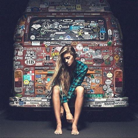 VW Bus Girl