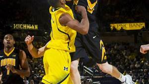 Hawkeyes don't have enough to stay with Michigan   Iowa ...