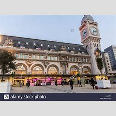 Paris, France, Outside, Building Entrance, French Train Station Stock Photo 80302414 Alamy