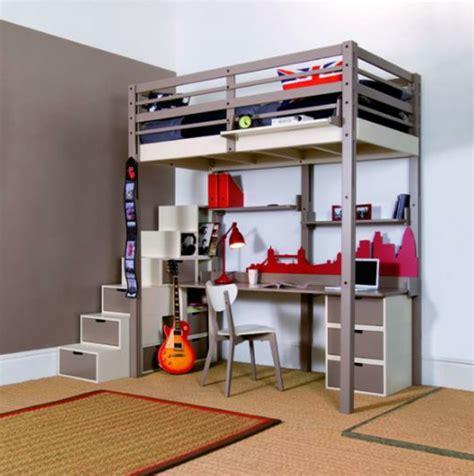 bureau pour ado gar輟n le lit mezzanine avec bureau est l 39 ameublement créatif pour les chambres d 39 enfant archzine fr