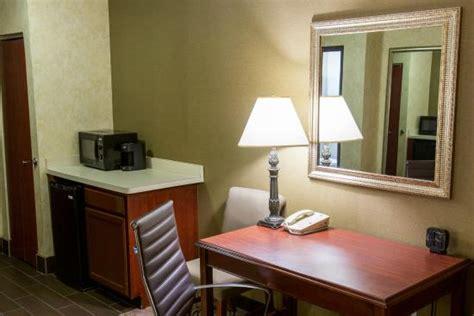 comfort suites southfield mi 凱富套房 紹斯菲爾德 comfort suites southfield 17 則旅客評論和比價