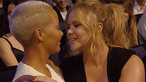 Video Lesbihonesst Amber Rose Shares Steamy Kiss With