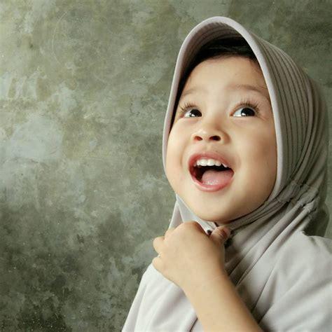 13 bayi pakai jilbab ini imutnya nggak nahan jadi