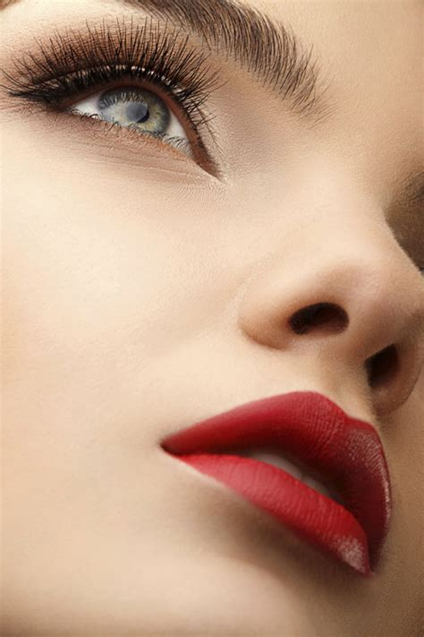 rote statement lippen rote lippen   schritten perfekt