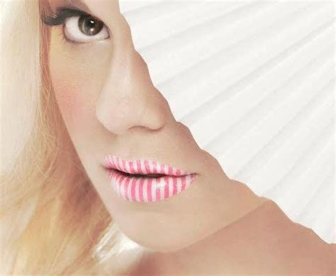 Pucker Up With This Cute Candy Stripe Lip Tattoo! Pair This Bold Look With Neutral Eye Shadows