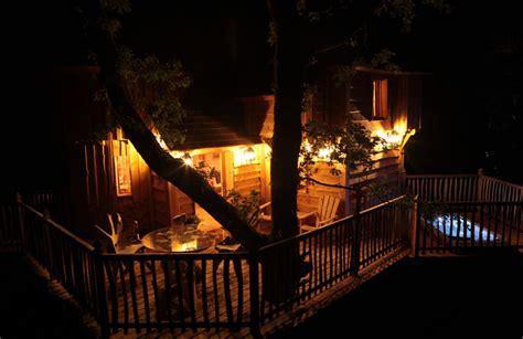 chambre d hotes dans les arbres chambres d 39 hôtes châteaux dans les arbres nojals et clotte