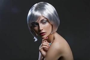 Coupe Courte Femme Cheveux Gris : 6 coupes pour tre au top avec des cheveux gris et blancs ~ Melissatoandfro.com Idées de Décoration