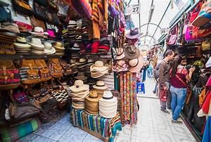 Quito - Mercado Artesanal De La Mariscal - Pichincha
