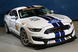 2016 Ford Shelby GT350R-C Mustang Race Car | Top Speed