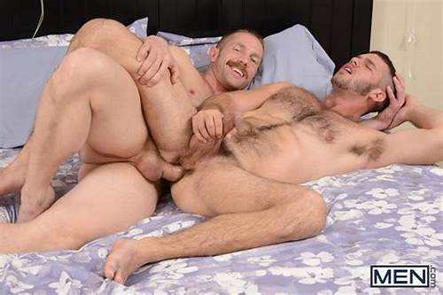 Old Muscle Hunks Know How To Have A Nice Time