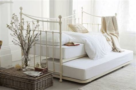 Laura Ashley Daybed Bedding by Iron Day Bed From Laura Ashley Deco Ideas Pinterest