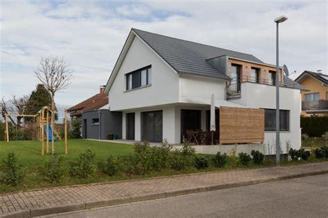 Einfamilienhaus Mit Doppelgarage Satteldach Emphitcom