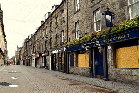 pemilik bisnis skotlandia bereaksi terhadap peta jalan keluar  kuncian